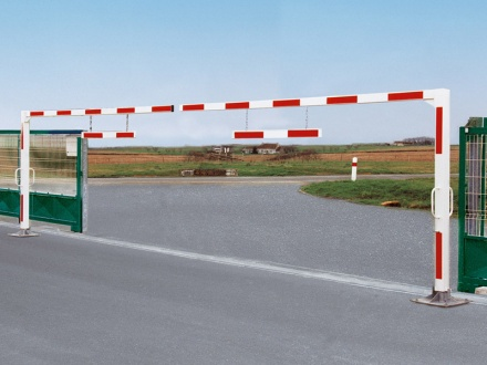 Adjustable Double Leaf Height Barrier (5-7m widths)
