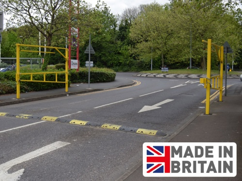 Economy Double Leaf Height Barrier with Swing Gate  (6Ð12m widths)