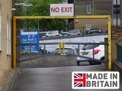 Economy Fixed Height Barrier with Swing Gate (3Ð9m widths)